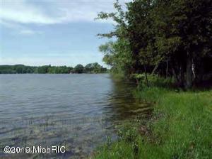 6 WATERS EDGE DRIVE, Scottville, MI 49454
