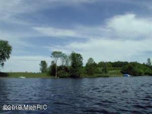 8 WATERS EDGE DRIVE, Scottville, MI 49454