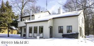 9190 Edgewater Drive, Canadian Lakes, MI 49346