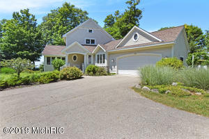 7193 Cottage Lane, South Haven, MI 49090