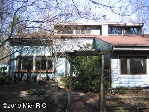 15332 Hickory Street, Spring Lake, MI 49456
