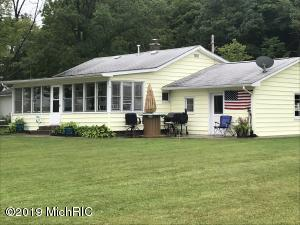 5490 Shady Drive, Newaygo, MI 49337