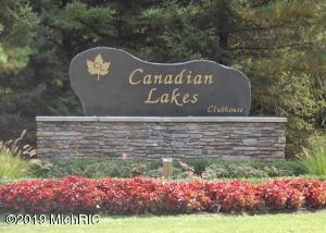 8393 Highland Trail Trail, Canadian Lakes, MI 49346
