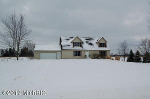 3018 144th Avenue, Dorr, MI 49323