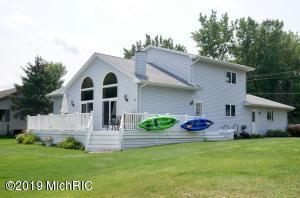 7250 Holiday Drive, Canadian Lakes, MI 49346