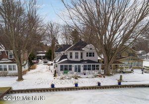 1977 S Shore Drive, Holland, MI 49423