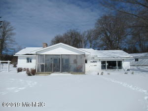 6755 W Northshore Drive, Lake City, MI 49651