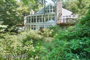 13425 Windcrest Drive, Grand Haven, MI 49417