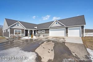 5161 18 Mile Road NE, Cedar Springs, MI 49319