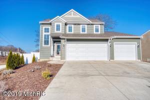 17053 Birchview Drive, Nunica, MI 49448