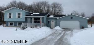 2172 S Sara Drive, Lake City, MI 49651