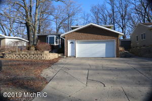 2335 Holliday Drive SW, Wyoming, MI 49519