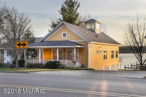 419 Lake Street, Saugatuck, MI 49453
