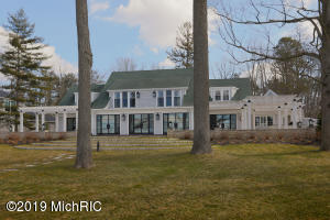 15968 Woodlawn Beach Drive, Hickory Corners, MI 49060
