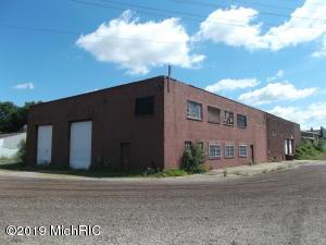 420 W Spruce Street, Marshall, MI 49068