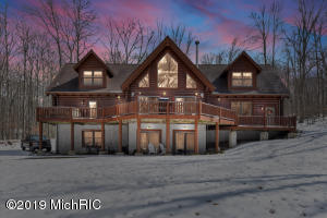 10301 Mountain View Trail, Canadian Lakes, MI 49346