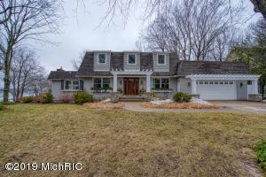16150 Norfolk Drive, Spring Lake, MI 49456
