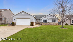 894 Red Tail Drive, Coopersville, MI 49404