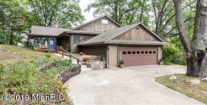 12430 Crystal Lake Drive, Cement City, MI 49233
