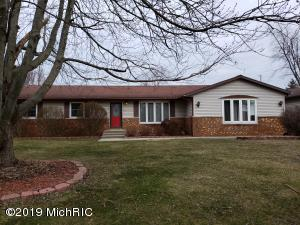 205 Walnut Street, Three Oaks, MI 49128