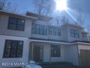 8118 Glen Eagle Place, Hudsonville, MI 49426