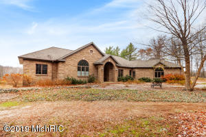 15524 Blue Fox Run, West Olive, MI 49460