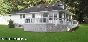 15626 Lakeview Drive, Buchanan, MI 49107