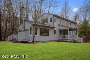 39 Camp Madron Road, Buchanan, MI 49107