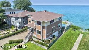 46039 Lake View Avenue, New Buffalo, MI 49117