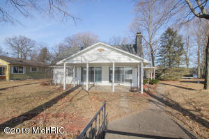 5530 Cozy Point Drive, Newaygo, MI 49337