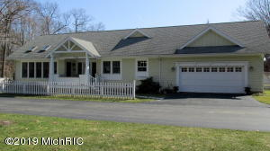 4192 Cottage Path, Stevensville, MI 49127