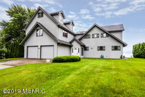 5435 Paw Paw Lake Road, Coloma, MI 49038