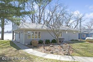 60727 W Oak Drive, Decatur, MI 49045