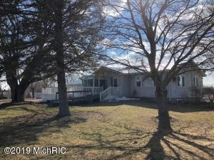 7291 S Deer Lake Road, Reed City, MI 49677