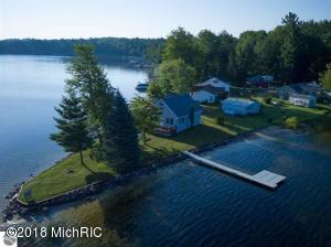 15146 Sandbar Point, Leroy, MI 49655