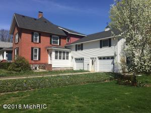 529 Maple Street, Colon, MI 49040