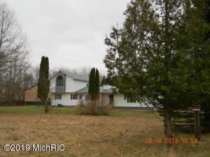 4863 Woods Road, Sidney, MI 48885