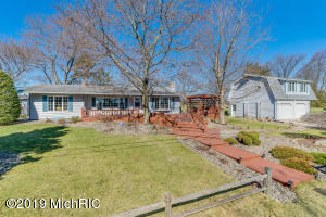 59060 Yeatter Road, Colon, MI 49040