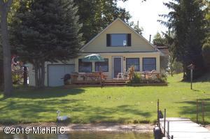 7964 W Royal Road, Canadian Lakes, MI 49346