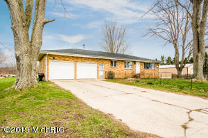 3965 Elm Valley Road, Three Oaks, MI 49128