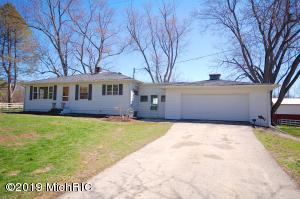1202 Madron Lake Road, Buchanan, MI 49107