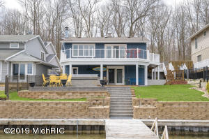 Property for sale at 395 S Gull Lake Drive, Richland,  Michigan 49083