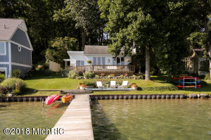 Property for sale at 1449 W Gull Lake Drive, Richland,  Michigan 49083
