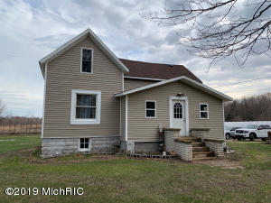 72828 24th Avenue, South Haven, MI 49090