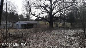 723 W Deer Run Road, Free Soil, MI 49411