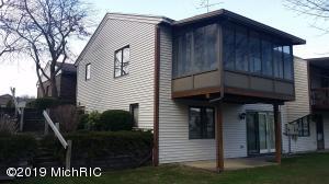 948 Amberwood West Drive SW, 022, Byron Center, MI 49315