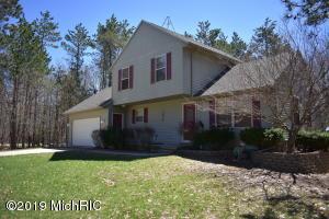 4822 Red Pine Drive Drive, Grant, MI 49327