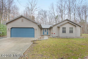 9168 White Birch, Canadian Lakes, MI 49346