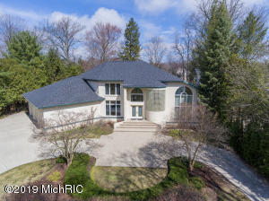 16015 Baird Drive, Spring Lake, MI 49456