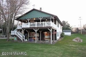 1890 West Lake Road, Twin Lake, MI 49457